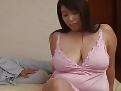 Japanese curvy mother