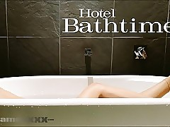 Motor hotel Bathtime Private showing