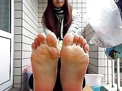 Self Filming Asian Soles Scrunches